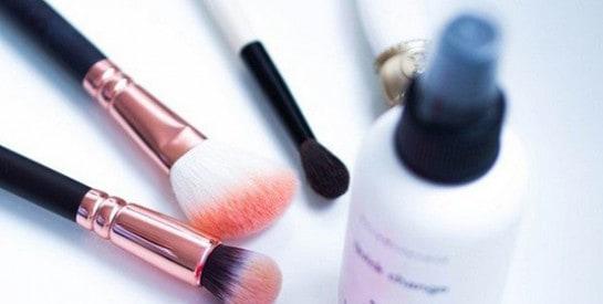 Comment prendre soin de ses accessoires beauté?