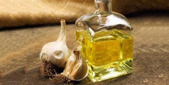 L`huile de coco et l`ail pour soigner les démangeaisons vaginales