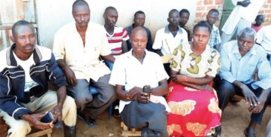 Déçue de son premier mariage, une femme ougandaise épouse trois hommes à la fois