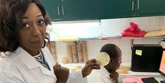 Valérie Carole Gbonon, l`Ivoirienne qui sort les bactéries de l`ombre