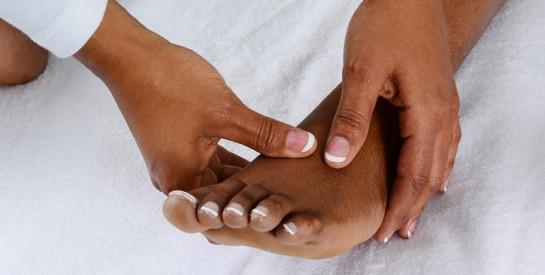 Remède efficace pour soulager la sensation de brûlure aux pieds