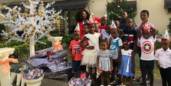 FESTIVITÉS DE FIN D'ANNÉE : la patronne de  Sydney Conceptuel, Fatim Sidimé offre des moments joyeux aux enfants