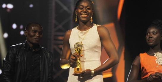 Asisat Oshoala, élue meilleure joueuse africaine de l'année