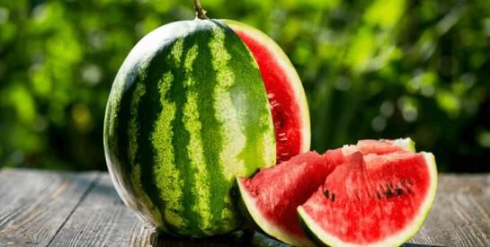 Les pouvoirs naturels de la pastèque sur les peaux sèches