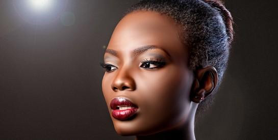 5 astuces pour maintenir l'hydratation des lèvres avant d'appliquer son rouge à lèvres