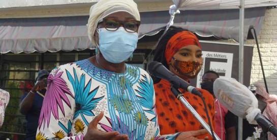Covid-19 : Action de cœur de la ministre Kandia Camara envers les acteurs de la mode aux côtés de safilleul Fatim Sidimé
