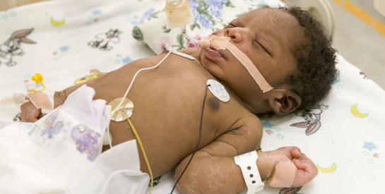 Afghanistan : un nouveau-né a survécu à deux coups de feu, mais a perdu sa mère