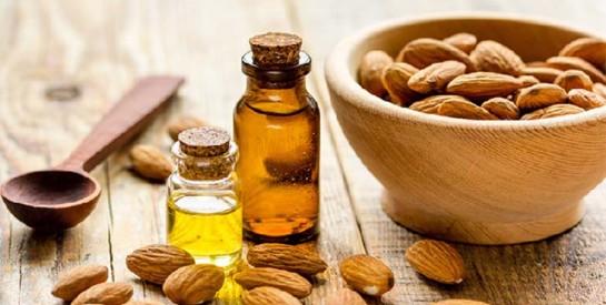 L`huile d`amande douce, un véritable trésor pour les cheveux secs afros