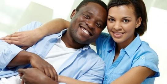 S`entourer de bons amis, l`un des secrets des couples heureux ?