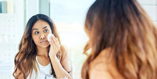 Les soins du visage indispensables en soirée