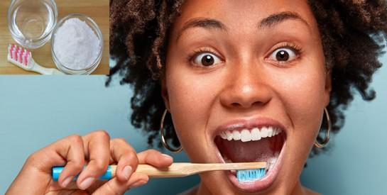 Gencives enflammées, mauvaise haleine... Comment utiliser le bicarbonate de soude ?