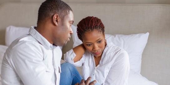 ``Atteinte de cancer, ma femme me l'a caché et veut que je le garde secret``