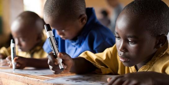 COVID-19 : Au moins un tiers des élèves dans le monde n'a pas eu accès à l'enseignement à distance lorsque les écoles étaient fermées, selon  l'UNICEF