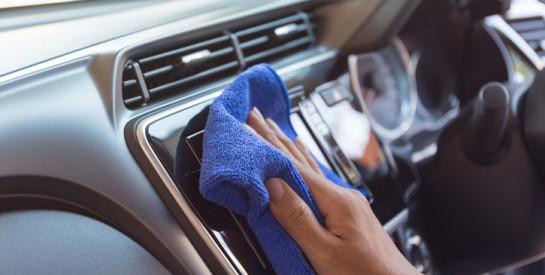 Comment en finir avec les mauvaises odeurs dans la voiture?