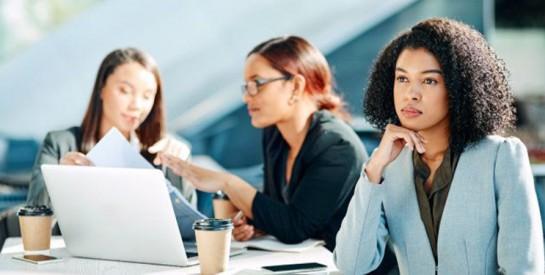 Comment travailler avec un collègue ``premier de la classe``