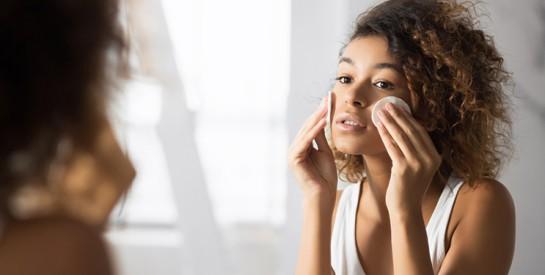 Fabriquez un masque magique anti-acné : la recette !