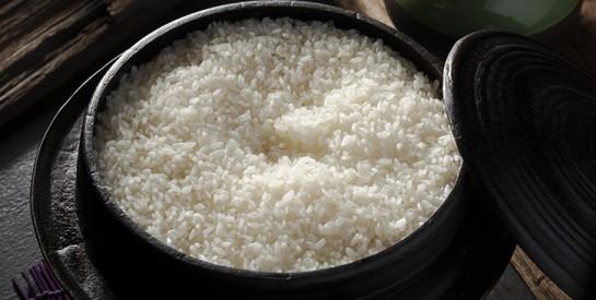 La meilleure façon de cuire le riz pour éliminer l'arsenic qui y est présent