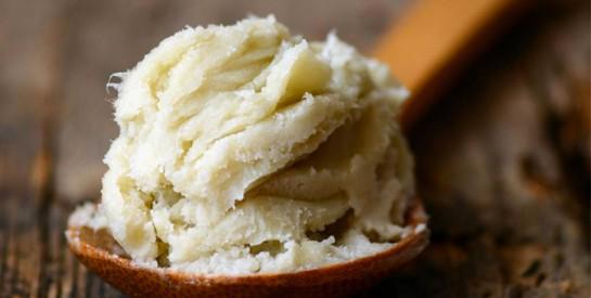 Le beurre de karité, quelle utilisation pour les cheveux secs