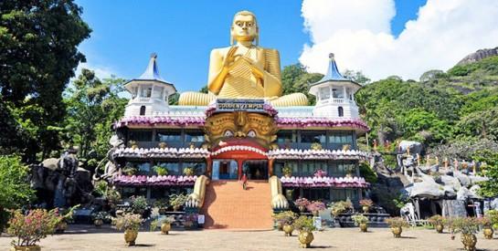 Le Sri Lanka accueille à nouveau des touristes, malgré une nouvelle souche du virus