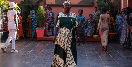 Au Mali, conte de Noël pour vingt orpailleuses devenues mannequins
