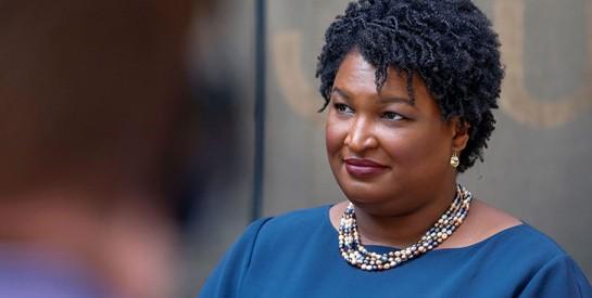 Stacey Abrams, la femme derrière les victoires historiques des démocrates en Géorgie