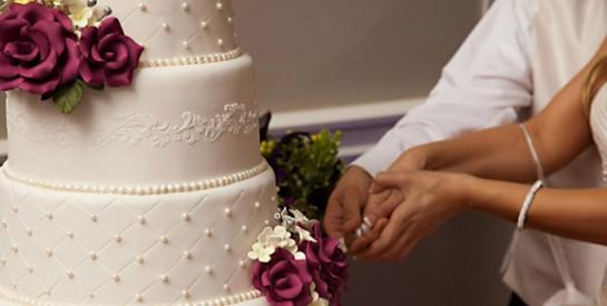 Comment et quand couper le gâteau de mariage ?