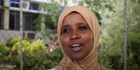Après 30 ans en Italie, une pédiatre somalienne retourne dans son pays pour sauver des vies