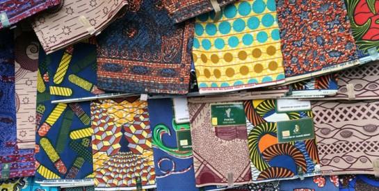 Le wax : pourquoi aime-t-on autant ce tissu perçu comme étant d'origine africaine ?
