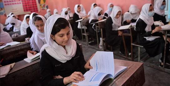 Afghanistan : les femmes autorisées à étudier, sous condition