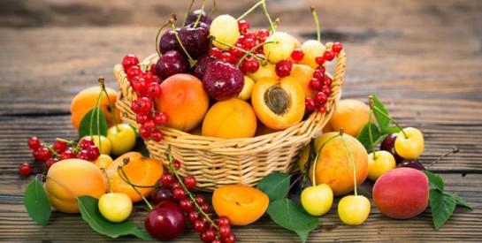 Faut-il manger un fruit avant ou après le repas ?