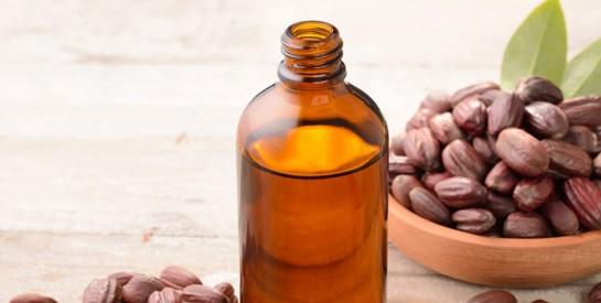 Profitez des bienfaits de l'huile de jojoba en l'ajoutant à votre routine