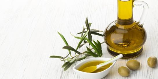 3 masques à l'huile d'olive pour cheveux secs
