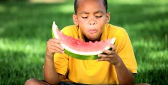 Quelques meilleurs aliments pour les dents des enfants
