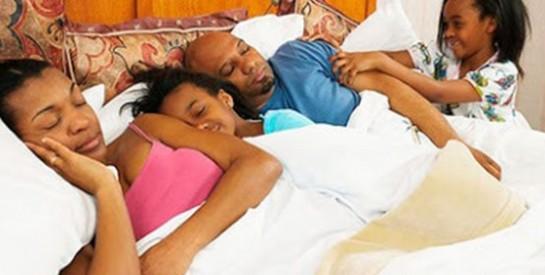Les conseils pour que votre enfant ne dorme plus dans votre lit