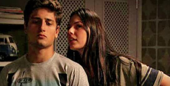 Résumé Avenida Brasil, épisode 283-284 : Roni annonce à ses parents qu'il s'est séparé de Suelen