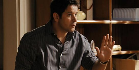 Résumé Avenida Brasil épisode 295-296 : Tifon interroge Carminia au sujet de l'argent de l'association