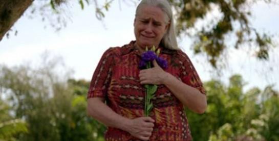 Résumé Avenida Brasil épisode 309-310 : Seule Lucinda se rend à l'enterrement de Max